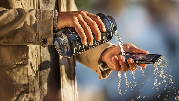 water-test-sony-xperia-z-smartphone-wide-hd-wallpaper