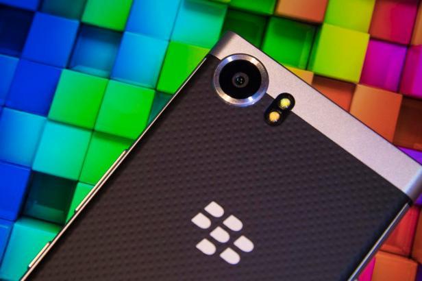 ces-2017-blackberry-mercury-7740